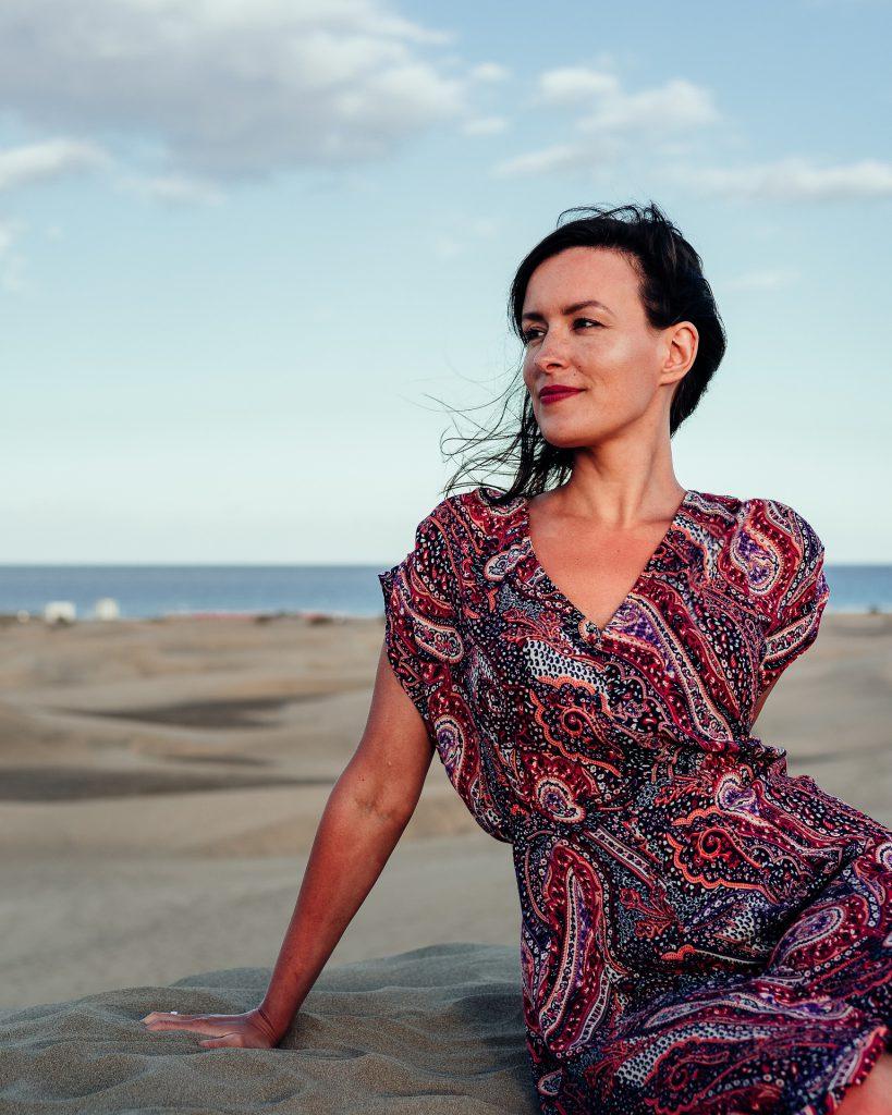 אישה בים בספרד